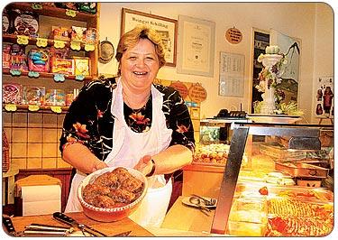 Brigitta schmidt sorgt immer für beste schmankerln vom buffet